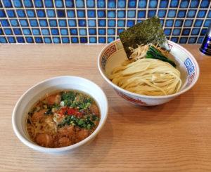 牛丸腸つけ麺