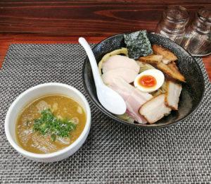 特製鶏白湯生揚げ醤油つけ麺