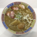 煮干鰮豚骨らーめん(煮玉子入り)
